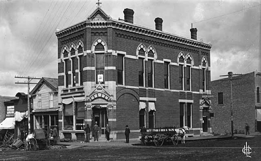 Black and white image of the Citizens Bank of Northfield, a two story building with three chimneys